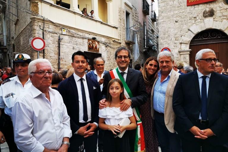 Il parlamentare Davide Galantino col sindaco Angarano e alcuni componenti della giunta