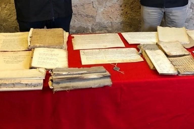 Documenti antichi rinvenuti dai Carabinieri del Nucleo tutela patrimonio culturale
