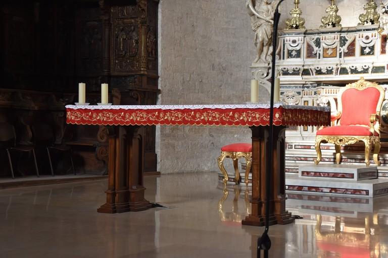 Altare maggiore basilica Concattedrale di Bisceglie. <span>Foto Antonio Lopopolo</span>