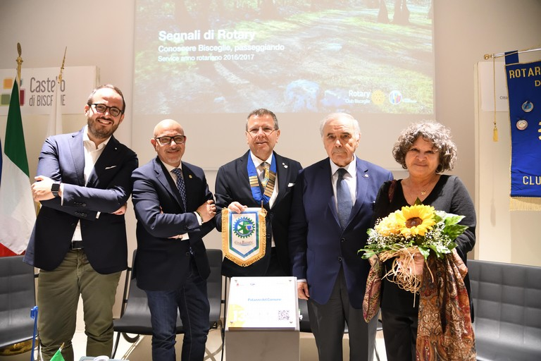 Presentazione delle 18 paline multimediali del Rotary Club Bisceglie (Foto FRancesco Dente)