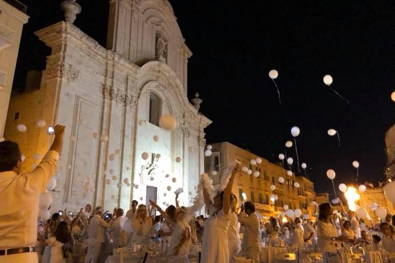 L'edizione 2018 della cena en blanc a Molfetta