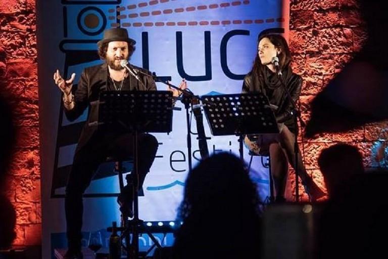 Erica Mou e Cosimo Damniano Damato sul palco del Make Art