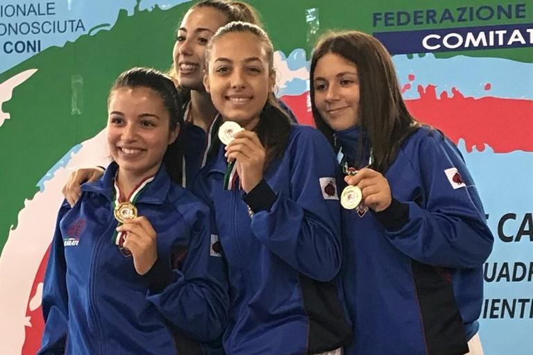 Team femminile delle Fiamme Cremisi