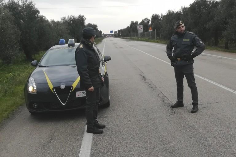 Controlli Guardia di Finanza. <span>Foto Vincenzo Cassano</span>