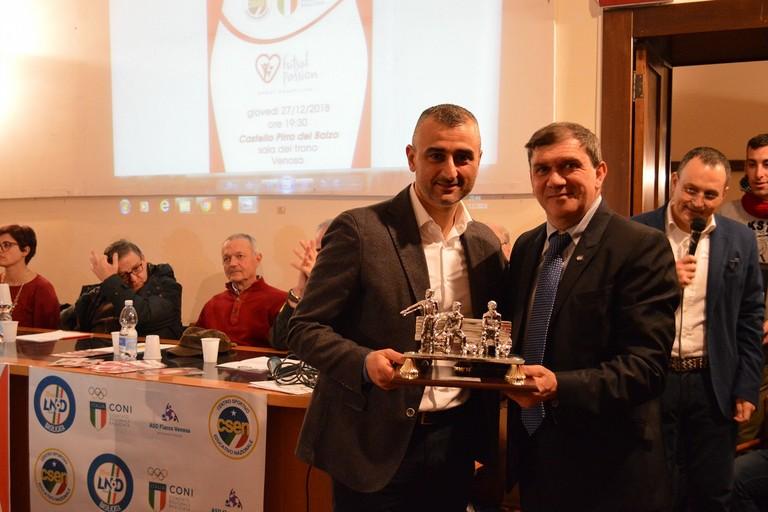 Un premio per mister Francesco Ventura. <span>Foto Futsal Passion</span>