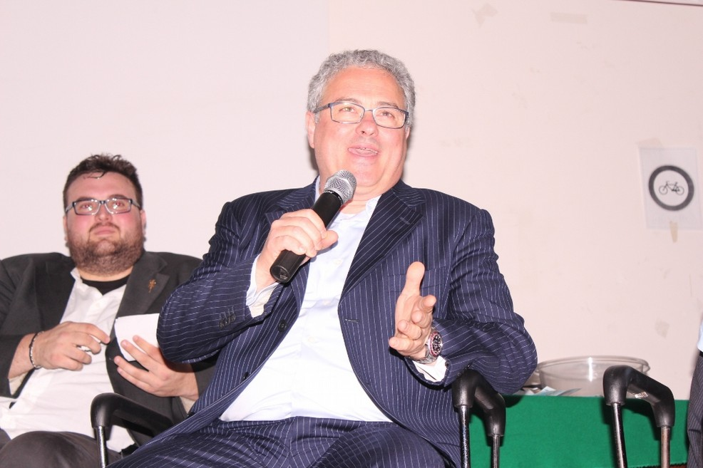 L'ex sindaco Franco Napoletano
