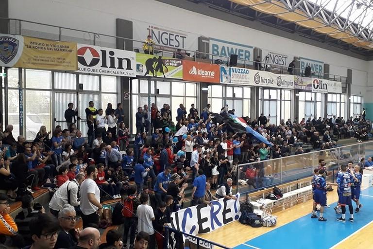 Gli oltre 200 tifosi Lions in trasferta a Matera