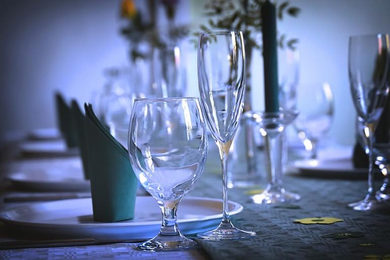 Tavolo di un ristorante (repertorio)