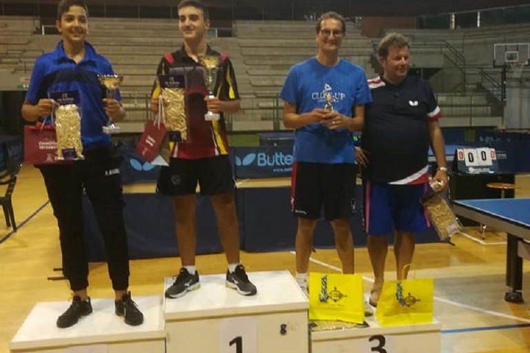 Giacomo Amati sul terzo gradino del podio a Lecce
