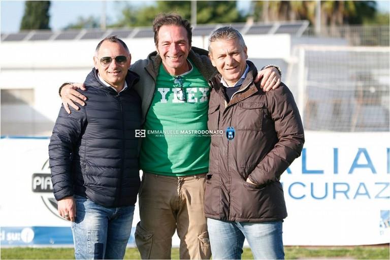 Gianni Casella al centro fra Vincenzo Milillo ed Emanuele Belviso. <span>Foto Emmanuele Mastrodonato</span>
