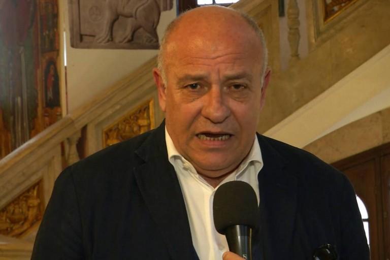 Tangenti in Puglia, l'assessore regionale Giannini rimette le deleghe al presidente Emiliano
