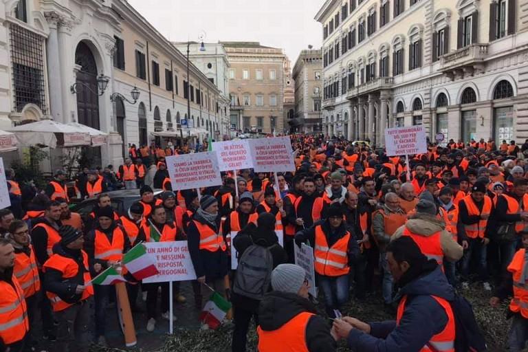 Manifestazione dei gilet arancioni a Roma