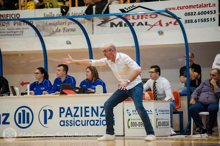 La grinta di coach Giorgio Salvemini. <span>Foto Paolo Marolla - Cestistica San Severo</span>