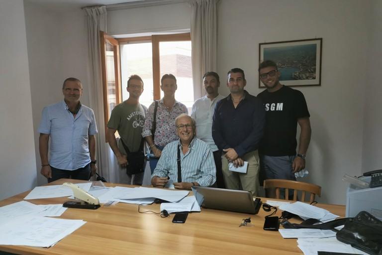 In basso il presidente Bruni. Da sinistra verso destra Mario Camero, Giuseppe Lamanuzzi, Vincenzo Bombini, Nardo Di Niso, Tommaso Mastrototaro e Domenico Di Clemente
