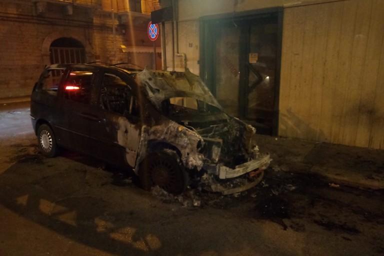 La carcassa dell'auto