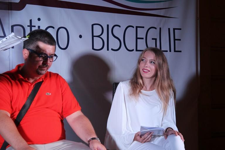 Chiara Evangelista in piazza Regina Margherita per l'ottava edizione di Libri nel Borgo Antico. <span>Foto Alberto Dell'Olio</span>