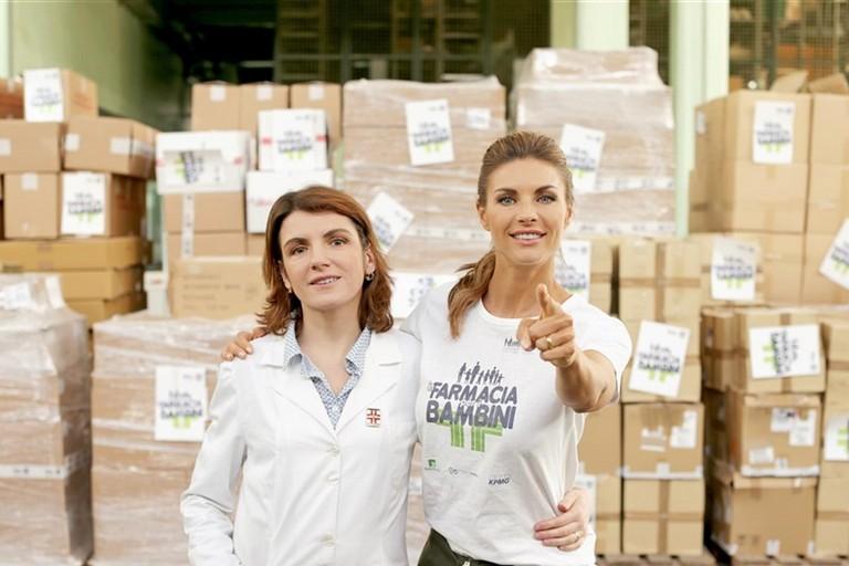 Martina Colombari testimonial dell'iniziativa In farmacia per i bambini