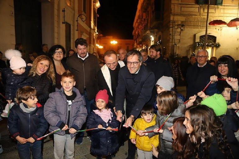 Taglio del nastro inaugurale per il Natale nel Borgo Antico