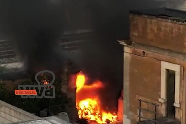 Incendio in via Fondo Noce