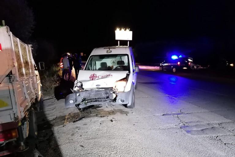 Incidente sulla Bisceglie-Andria, danni al furgone di