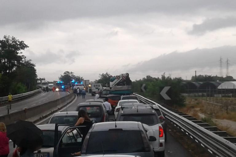 Incidente a Bisceglie nord, statale 16 bis bloccata in direzione Bari