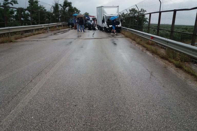 Grave incidente con tre feriti sulla provinciale Bisceglie-Andria