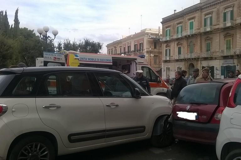 Le conseguenze dell'incidente. <span>Foto Cristina Scarasciullo</span>