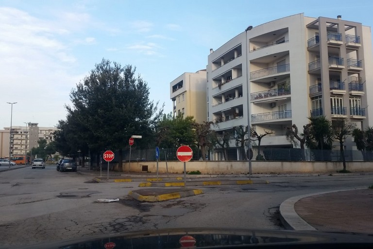 Segnaletica via Fragata-via Vincenzo Bellini