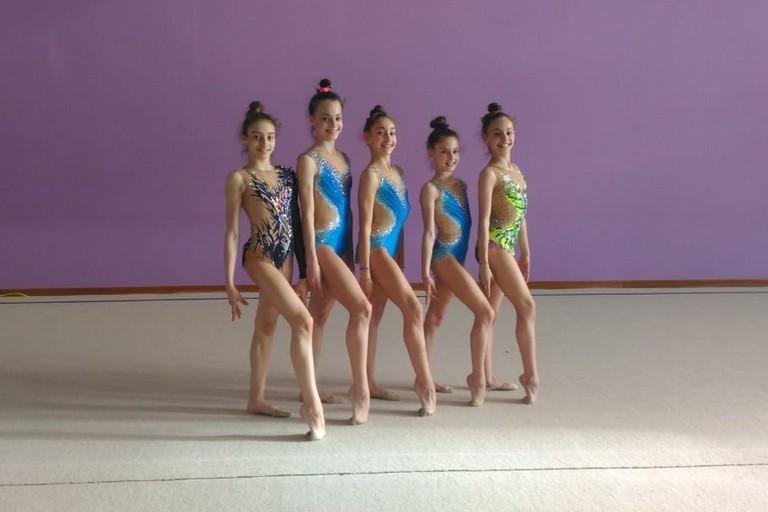 Le cinque ginnaste dell'Iris che parteciperanno ai campionati individuali Gold