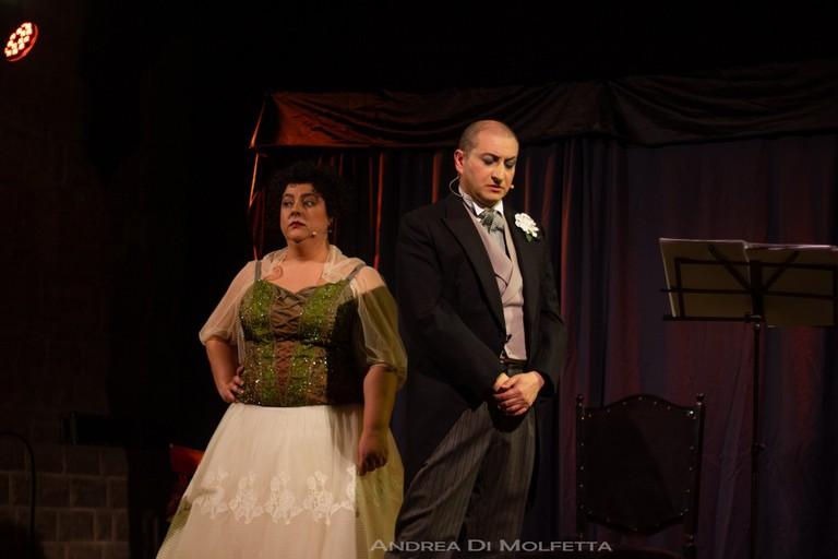 La gatta cenerentola con Gianluigi Belsito e Michela Diviccaro. <span>Foto Andrea Di Molfetta</span>