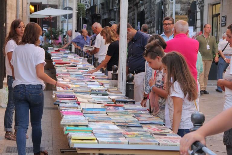 Oltre 2000 volumi da scambiare gratis: torna lo ScambiaLibro di Libri nel Borgo Antico