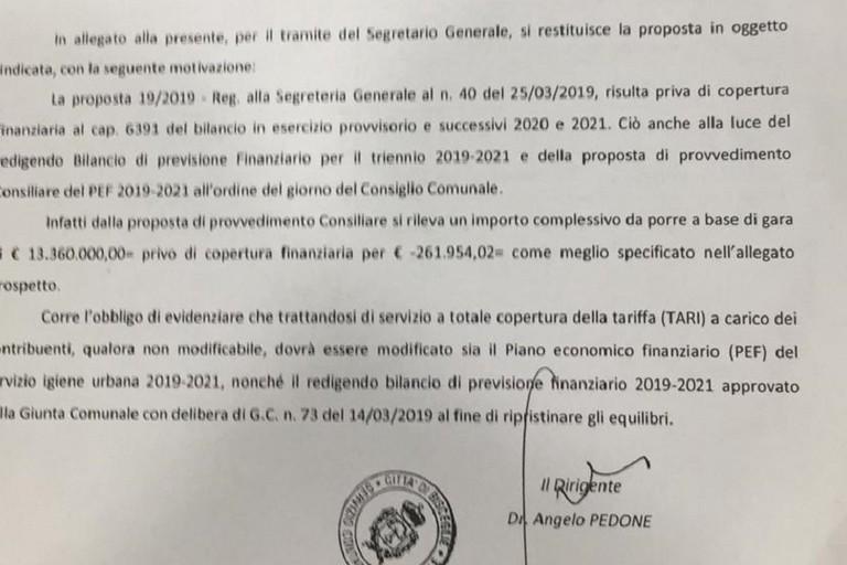 Il documento con cui Angelo Pedone certifica la mancanza di coperture per l'espletamento della gara ponte