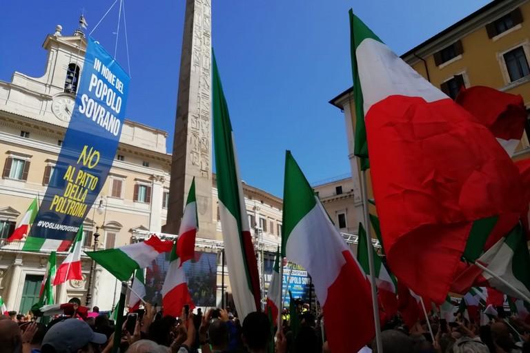 Manifestazione di protesta organizzata da Fratelli d'Italia