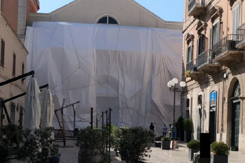 Land art wropped theatre al Garibaldi di Bisceglie
