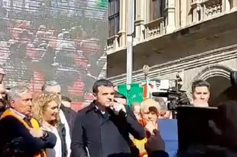 Centinaio chiede scusa ai gilet arancioni e annuncia: «Il 26 febbraio sarò in Puglia»