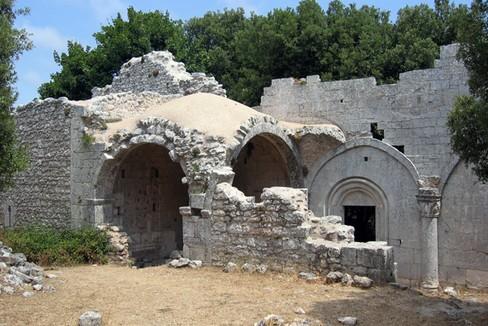 L'abbazia di Monte Sacro sul Parco nazionale del Gargano