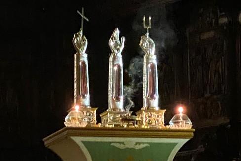 Santa Messa da piazza Tre Santi