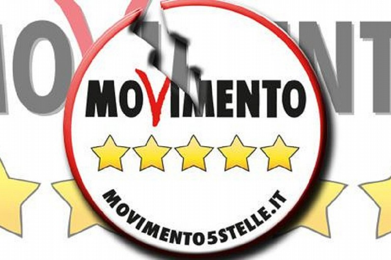 Movimento 5 Stelle spaccato