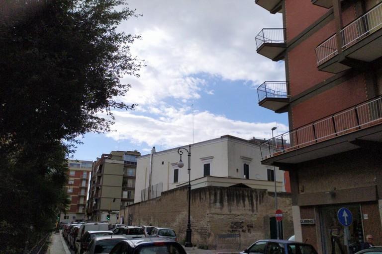 Muro perimetrale dell'istituto Villa Giulia