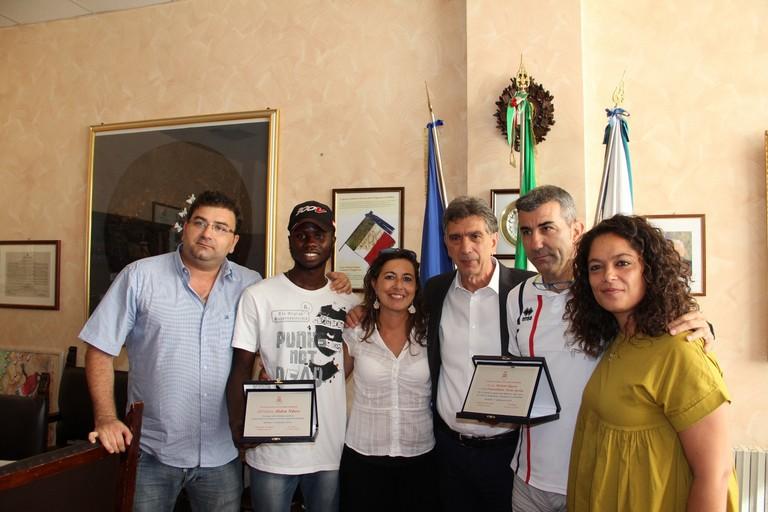 Ndure Abdou ricevuto dal sindaco di Barletta Mino Cannito