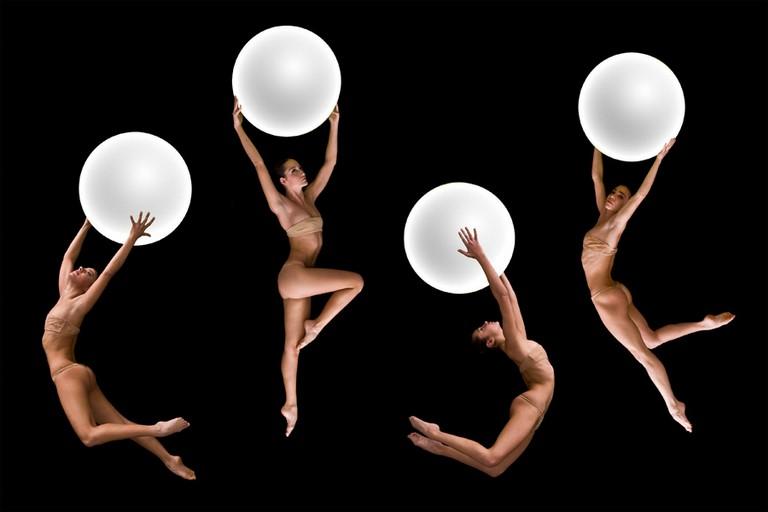 Divina Commedia No gravity dance