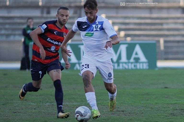 Paolo Migliavacca, difensore del Bisceglie. <span>Foto Emmanuele Mastrodonato</span>
