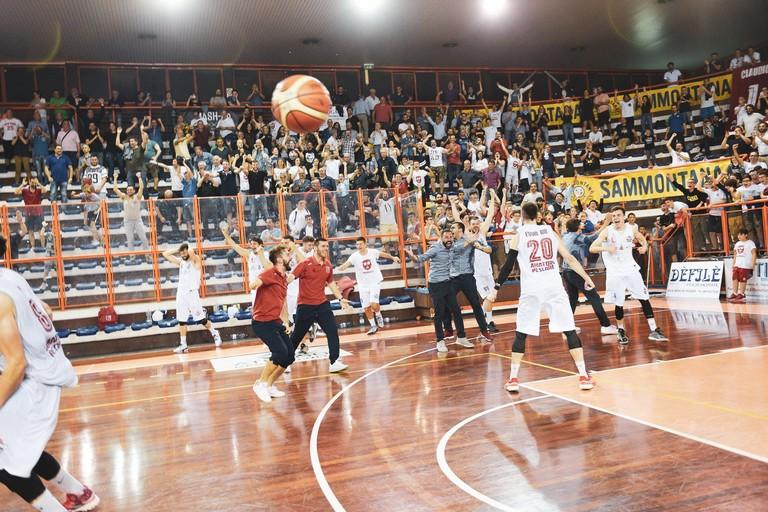 La gioia dei giocatori e dei componenti dello staff dell'Amatori Pescara. <span>Foto Matteo Pantalone - Amatori Pescara</span>