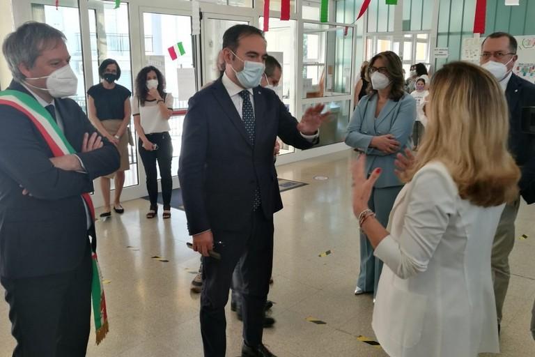 Il sottosegretario Rossano Sasso in visita al terzo circolo