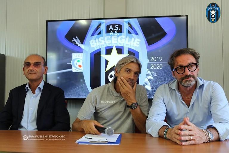 Mister Rudy Vanoli, Vincenzo Todaro e Gianni Casella. <span>Foto Emmanuele Mastrodonato</span>
