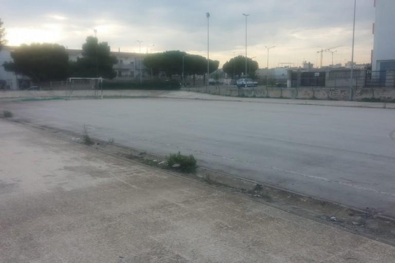 Bonifica effettuata presso l'impianto sportivo del rione Salnitro