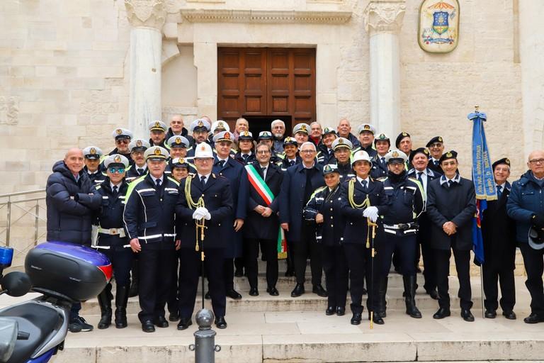 Polizia Locale al completo col sindaco Angarano
