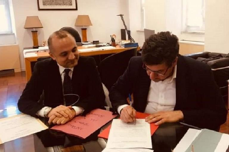 Sergio Silvestris firma la candidatura alle elezioni europee