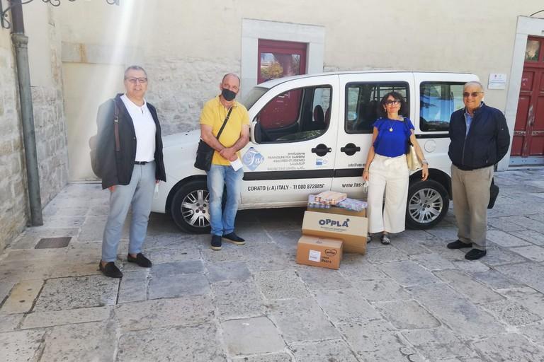 Donazione Rotary Bisceglie alla Caritas
