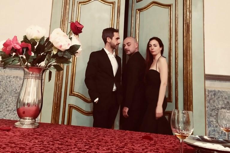 Il cast dello spettacolo della compagnia Sonenalé